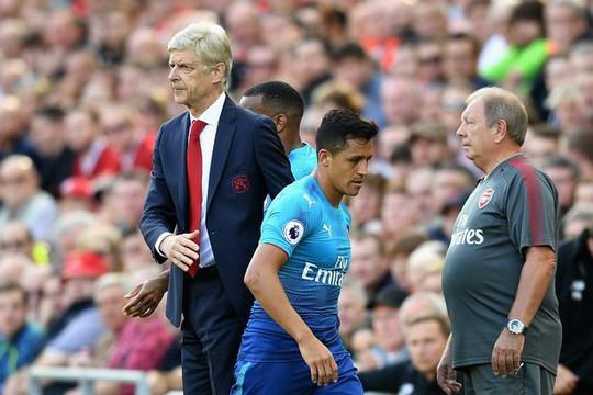 Sanchez mặc áo số 7, tự sướng ở Old Trafford - Ảnh 3.