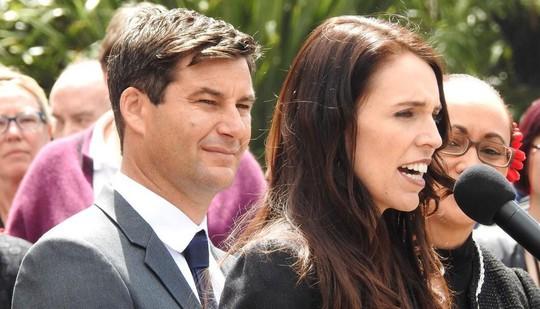 Thủ tướng New Zealand bất ngờ tiết lộ có bầu - Ảnh 2.