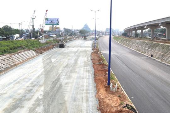 Nhiều dự án giao thông lỗi hẹn - Ảnh 1.