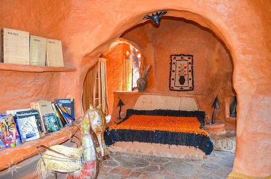 Bên trong căn nhà bằng đất sét đẹp nhất thế giới - Ảnh 5.