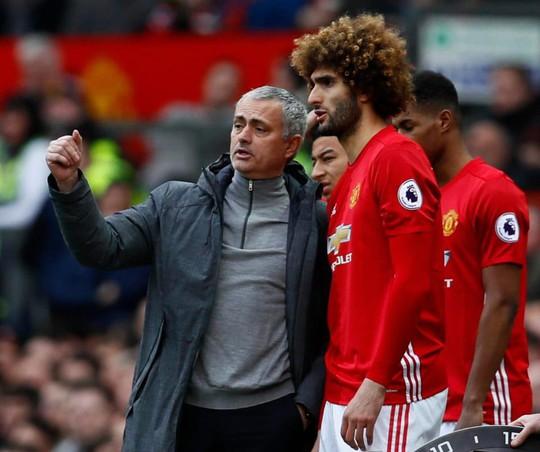 Bất chấp đề nghị của Mourinho, Fellaini quyết ra đi - Ảnh 2.