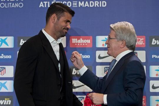 Atletico Madrid ra mắt cùng lúc 2 ngôi sao tấn công - Ảnh 2.