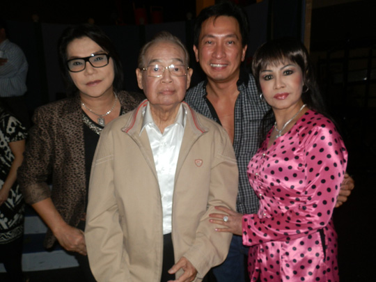 Danh hài Văn Chung qua đời ở tuổi 91 - Ảnh 2.