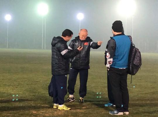 Chủ nhà Trung Quốc cho U23 Việt Nam tập sân dị - Ảnh 2.