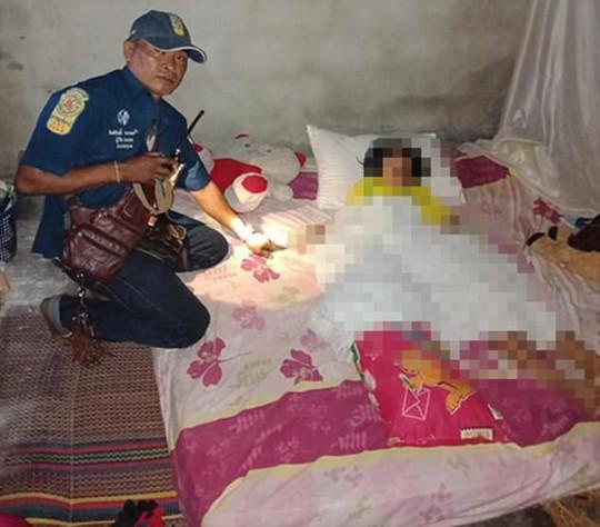 Hổ mang chui vào giường, bé gái 9 tuổi mất mạng - Ảnh 1.