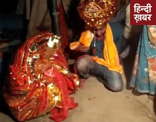 Ấn Độ: Bắt cóc đàn ông rồi chĩa súng ép cưới - Ảnh 1.