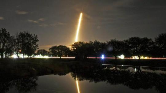 Mỹ phóng tàu vũ trụ bí mật Zuma vào vũ trụ - Ảnh 1.