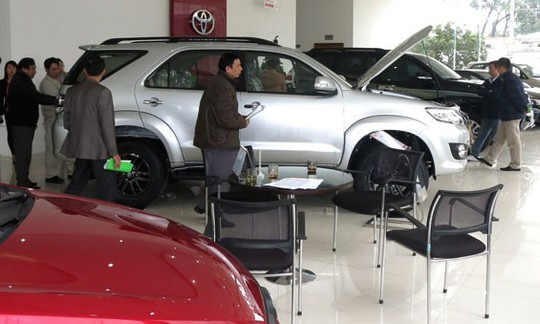 Kinh nghiệm mua ô tô dịp cận Tết - Ảnh 1.