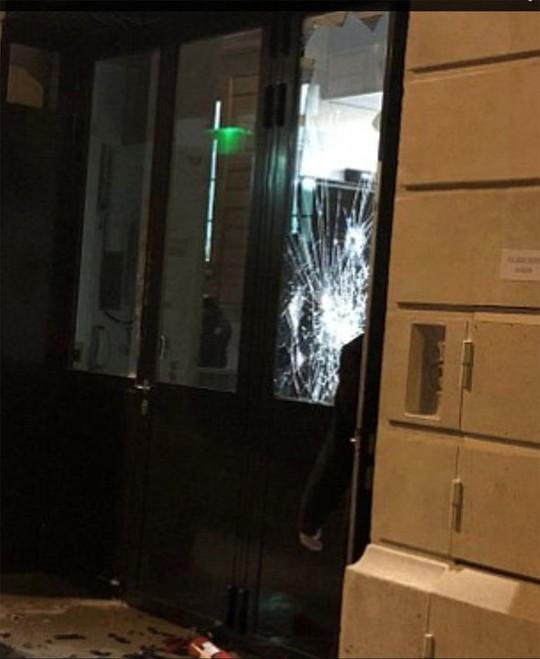 Táo tợn đột nhập khách sạn hạng sang cướp trang sức triệu đô - Ảnh 3.