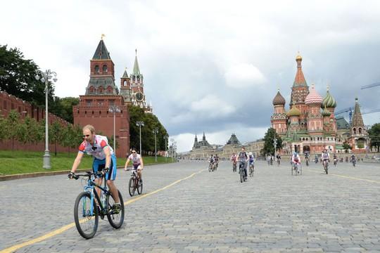"""Chùm ảnh so sánh thủ đô Moscow """"100 năm: ngày ấy - bây giờ"""" - Ảnh 2."""