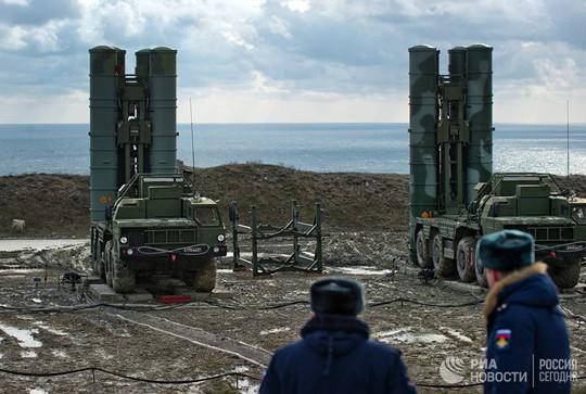 Mỹ lo ngại tên lửa S-400 của Nga ở Crimea - Ảnh 2.