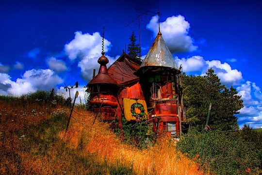 """10 ngôi nhà đẹp """"lạ"""" làm bằng vật liệu tái chế - Ảnh 2."""