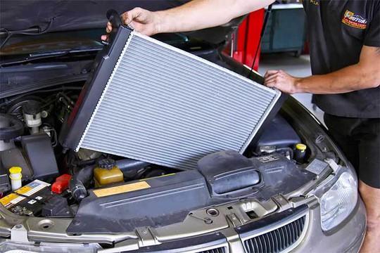 Những nguyên nhân hàng đầu khiến ôtô uống xăng - Ảnh 2.