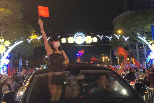 Khoảnh khắc sao Việt mừng U23 Việt Nam chiến thắng - Ảnh 3.