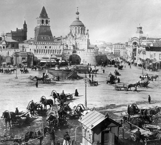 """Chùm ảnh so sánh thủ đô Moscow """"100 năm: ngày ấy - bây giờ"""" - Ảnh 11."""
