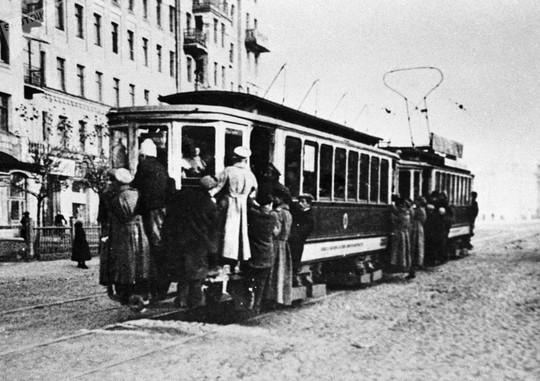 """Chùm ảnh so sánh thủ đô Moscow """"100 năm: ngày ấy - bây giờ"""" - Ảnh 13."""