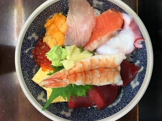 Chợ cá lớn nhất thế giới ở Nhật Bản - nơi bán những con cá triệu USD - Ảnh 13.