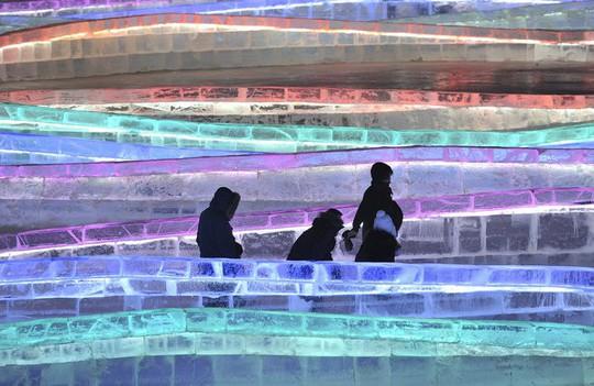 Lạc bước vào chốn bồng lai tiên cảnh tại Lễ hội băng đăng - Ảnh 14.