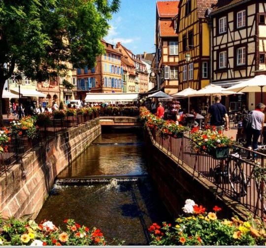 25 đường phố đẹp và đáng sống nhất thế giới - Ảnh 14.