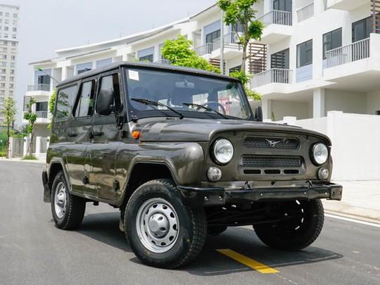 Xe Nga tại Việt Nam có giá từ 390 triệu đồng - Ảnh 1.