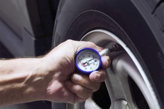 Những nguyên nhân hàng đầu khiến ôtô uống xăng - Ảnh 4.