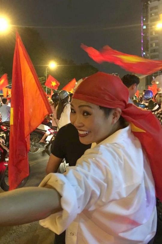 Khoảnh khắc sao Việt mừng U23 Việt Nam chiến thắng - Ảnh 7.