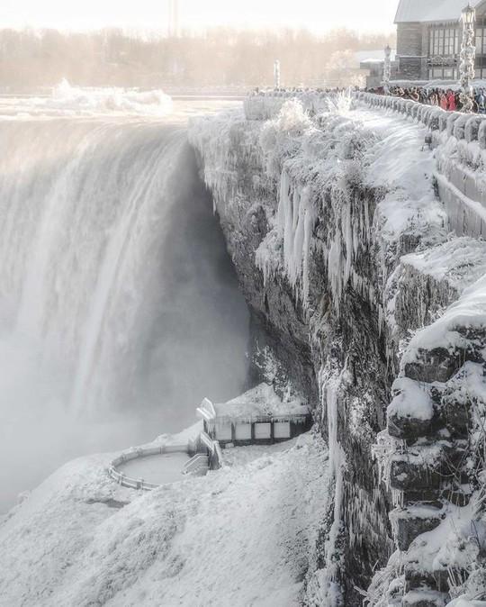 Giật mình trước chùm ảnh về mùa đông lạnh giá ở Bắc Mỹ - Ảnh 5.