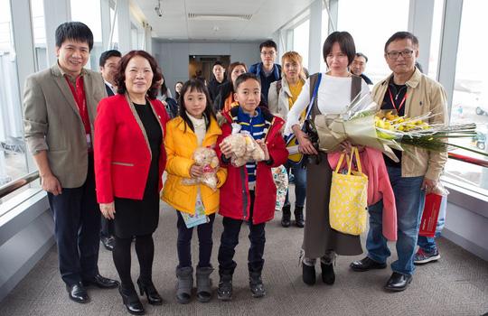 Vietjet tưng bừng chào đón những hành khách đầu tiên năm 2018 - Ảnh 6.