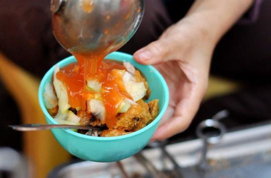 Những quán ăn phải xếp số nhưng vẫn nườm nượp khách ở Hà Nội - Ảnh 6.