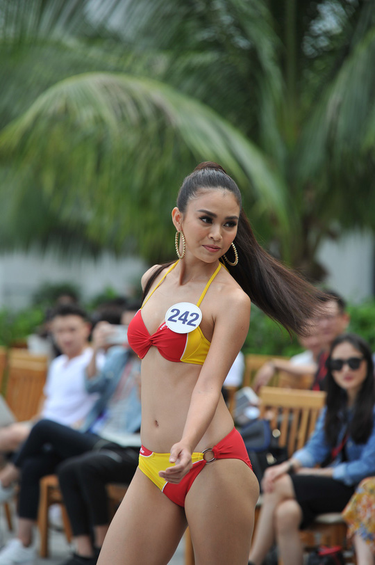 Thí sinh Hoa hậu Hoàn vũ 2017 khoe dáng với trang phục bikini nóng bỏng - Ảnh 6.