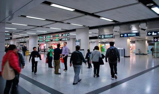 Vì sao khách nước ngoài mê tàu điện ngầm Hong Kong? - Ảnh 7.