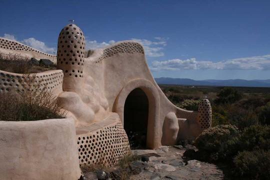 """10 ngôi nhà đẹp """"lạ"""" làm bằng vật liệu tái chế - Ảnh 7."""