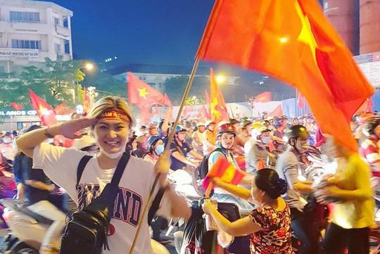 Khoảnh khắc sao Việt mừng U23 Việt Nam chiến thắng - Ảnh 9.