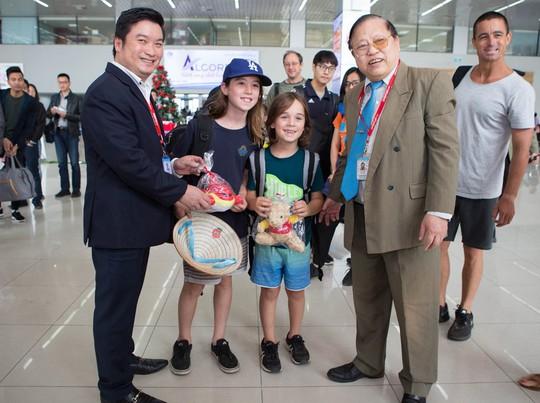 Vietjet tưng bừng chào đón những hành khách đầu tiên năm 2018 - Ảnh 9.