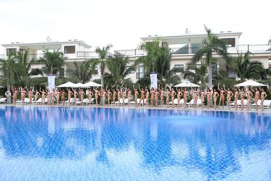 Thí sinh Hoa hậu Hoàn vũ 2017 khoe dáng với trang phục bikini nóng bỏng - Ảnh 9.
