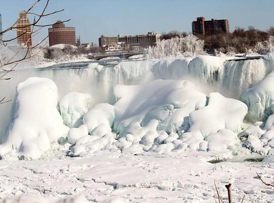 Giật mình trước chùm ảnh về mùa đông lạnh giá ở Bắc Mỹ - Ảnh 9.