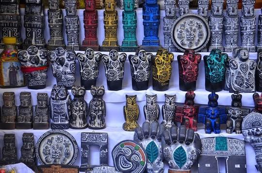 Bí ẩn trong khu chợ bùa ngải ma thuật lớn nhất thế giới - Ảnh 9.