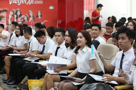 Vietjet tiếp tục tuyển tiếp viên tại Hà Nội, TP HCM - Ảnh 1.