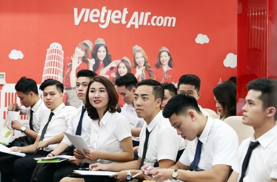 Vietjet tiếp tục tuyển tiếp viên tại Hà Nội, TP HCM - Ảnh 2.