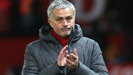 Mourinho quyết định tương lai với M.U - Ảnh 1.
