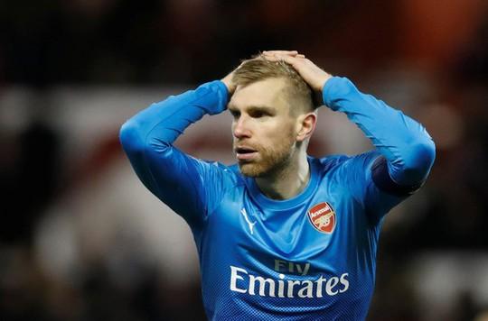 Hết đổ lỗi trọng tài, Wenger lại chỉ trích cầu thủ - Ảnh 3.