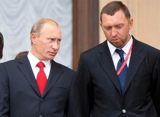 Tài phiệt Nga đứng ngồi không yên - Ảnh 1.