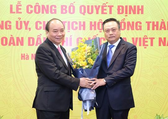 Thủ tướng trực tiếp trao quyết định bổ nhiệm tân Chủ tịch PVN - Ảnh 2.