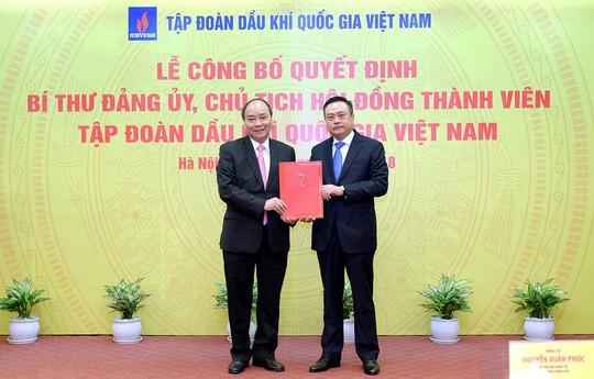Thủ tướng trực tiếp trao quyết định bổ nhiệm tân Chủ tịch PVN - Ảnh 1.