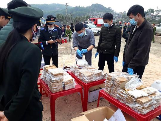 Quảng Ninh: 260 bánh heroin tan thành tro bụi - Ảnh 1.