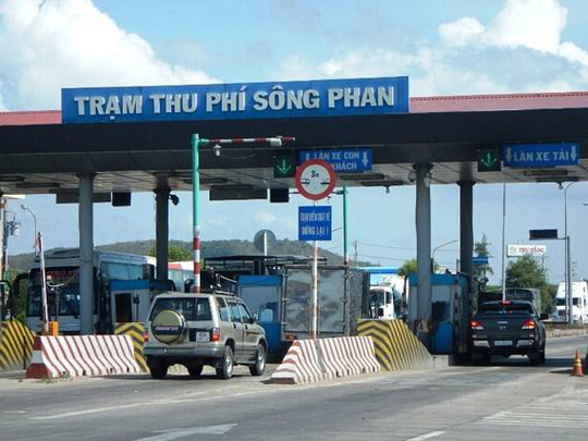 Lo mất trật tự, trạm BOT Sông Phan xin giảm giá vé - Ảnh 1.