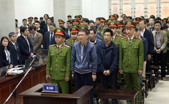 Tòa xử ông Đinh La Thăng: Luật sư đề nghị triệu tập thêm nhân chứng - Ảnh 2.
