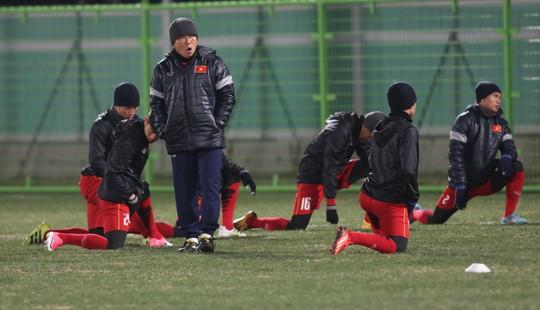 Dùng người Hàn cản U23 Hàn - Ảnh 1.