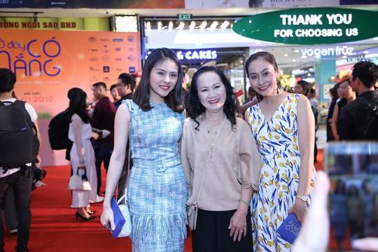 Sao Việt tụ hội chúc mừng cha con Quý Bình - Ảnh 5.