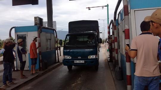 Trạm BOT Sông Phan bị phản đối vì chỉ giảm phí cho xe địa phương - Ảnh 1.